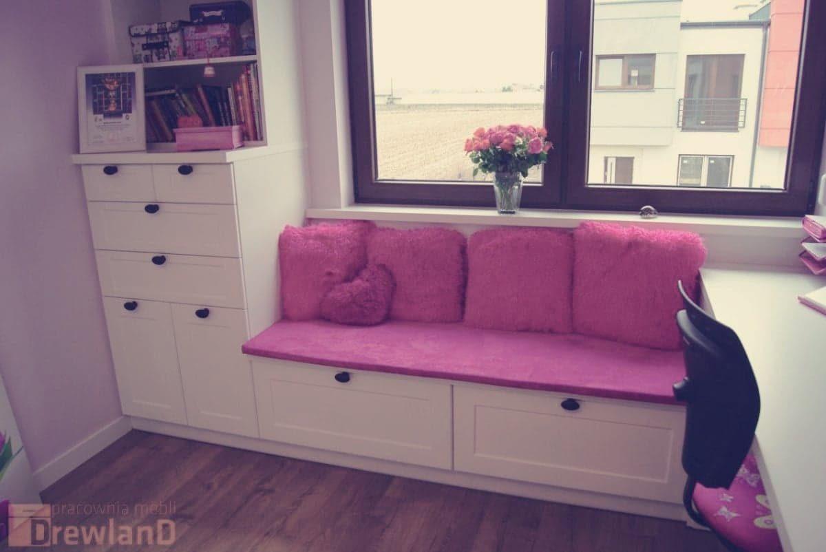pokój dla nastolatki z dodatkiem różu