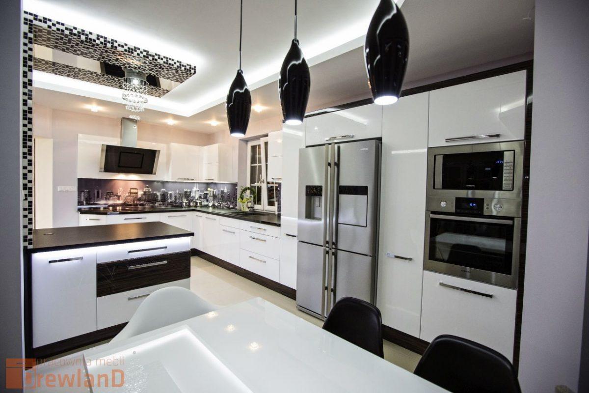 Minimalizm w kuchni w stylu glamour